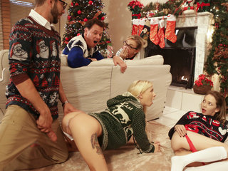 Dirty Christmas sex of stepbrother and babes